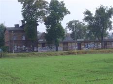 Hinteransicht des Bahnhofs